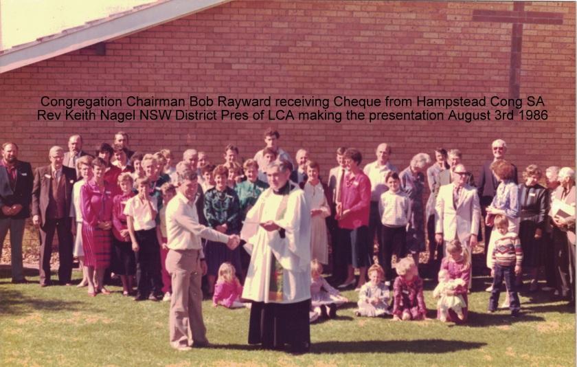 1986 Pr K Nagel & Bob Rayward receiving Cheq